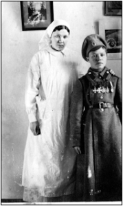 Ольга Николаевна с вылеченным солдатом