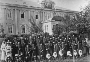Церковно-приходская школа и приют при Дивеевском монастыре. Начало XX века