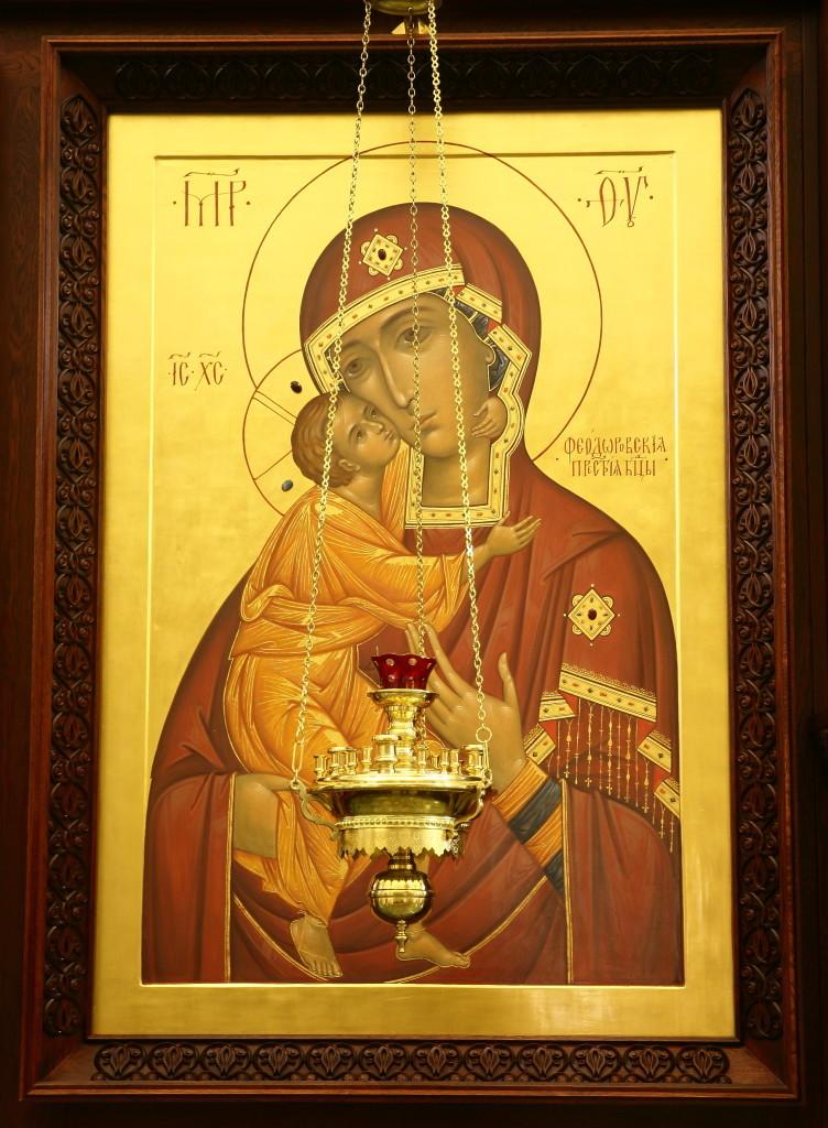 Феодоровская икона в иконостасе Успенского собора